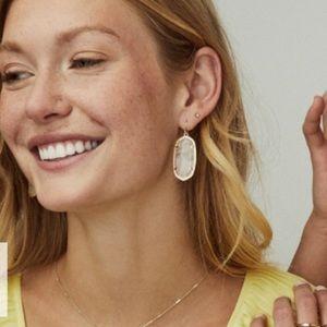 Kendra Scott Jewelry - Kendra Scott mother of pearl Elle earrings